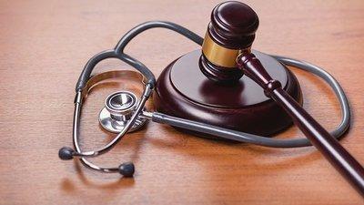 Cour des comptes : une part non négligeable des fraudes et irrégularités attribuéeaux médecins
