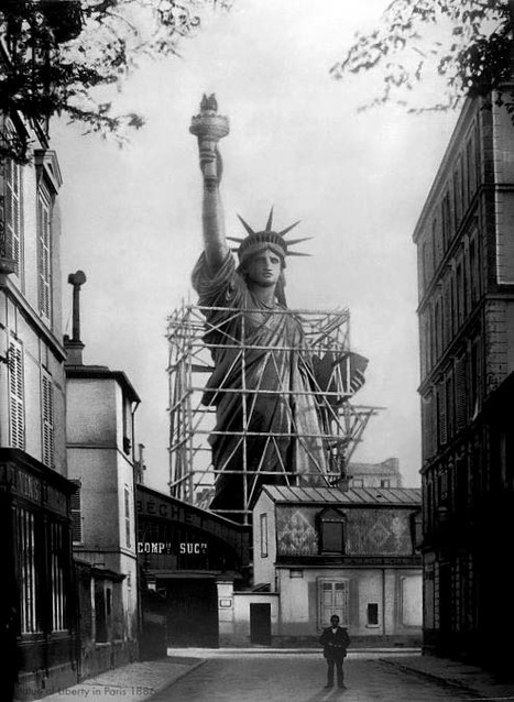 Statue of Liberty in Paris, 1877-1885 | GenealoNet | Scoop.it