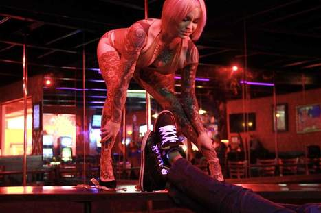 Combination Strip Club-Juice Bars Are Finally on the Way | Urban eating | Scoop.it