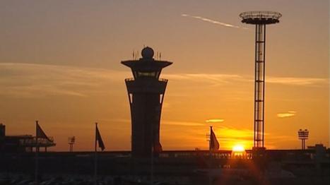 VIDEO. Sortie de piste d'un avion à Lyon, le trafic suspendu pendant 2h - Société - MYTF1News | Airliners | Scoop.it