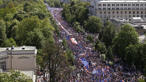En Pologne, une marche anti-gouvernementale se déroule dans le centre de Varsovie   Indignations & GLOBAL(R)EVOLUTION   Scoop.it