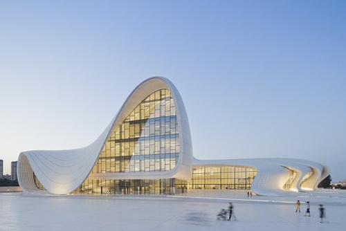 HxEHJKbKXCzpFjtTTeNeMDl72eJkfbmt4t8yenImKBXEejxNn4ZJNZ2ss5Ku7Cxt - Heydar Aliyev Centre by Zaha Hadid in Baku | Architecture | Wallpaper* Magazine