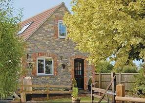 Somerset cottages, Ashes Country Lodge, Ash, Martock, Somerset from UK Cottages | Cosmic UK | Scoop.it