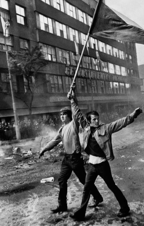 Unicorn Booty | Magnum Photographer Josef Koudelka's Focused On Gypsies | Inspirational Photography to DHP | Scoop.it
