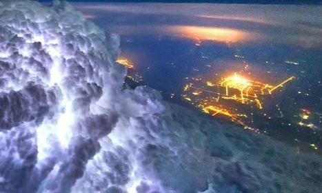 Storming! Incredible Weather Photographs Taken From Plane Cockpits | Everything from Social Media to F1 to Photography to Anything Interesting | Scoop.it