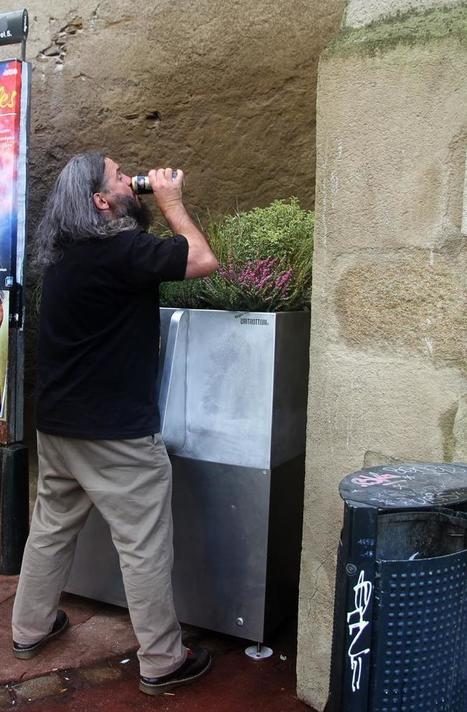 """Au revoir les """"pipis sauvages"""", bonjour les fleurs : l'Uritrottoir débarque à Paris et à Nantes   Économie circulaire locale et résiliente pour nourrir la ville   Scoop.it"""