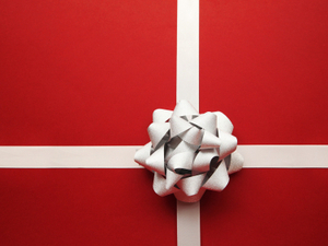 The Car-Sized Bow And Other Gift-Giving Lies Pop Culture Told Me : NPR | Leezard | Scoop.it