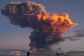 Eruption fears as Ecuador's 'throat of fire' volcano spews ash, smoke | geography and anthropology | Scoop.it