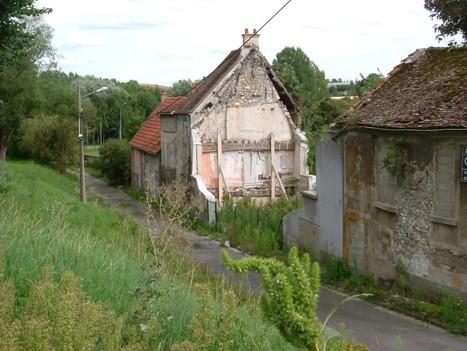 French Ghost Village   Modern Ruins   Scoop.it