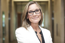 Apple hires Angela Ahrendts, CEO of Burberry, to head its retail efforts | digital mentalist  and cool innovations | Scoop.it