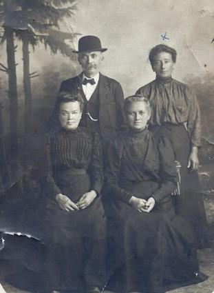 'Préservez vos photos de famille' : l'histoire familiale du généablogueur Benoît Petit en six photos - MyHeritage.fr - Blog francophone   Auprès de nos Racines - Généalogie   Scoop.it