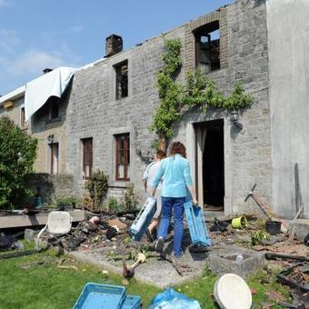 Une maison brûle à Comblain-au-Pont: les panneaux photovoltaïques ont freiné l'intervention des pompiers | Esneux | Scoop.it