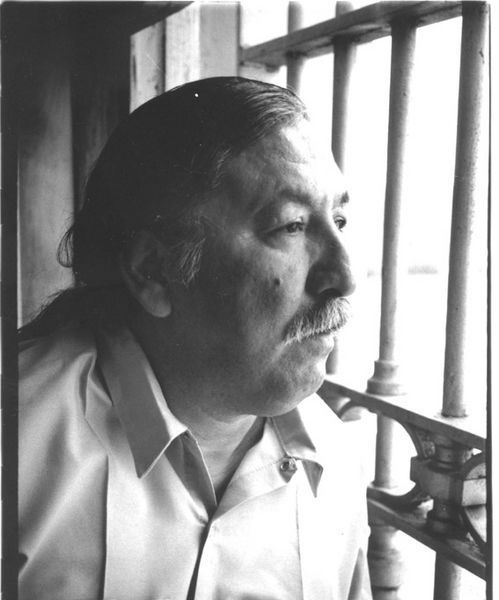 short essay on leonard peltier In the case of leonard peltier, his arrest and conviction were the result of the atmosphere of fear, anxiety, tension, and violence prevalent in the cultural and historical contexts associated with the murder of the two fbi agents.