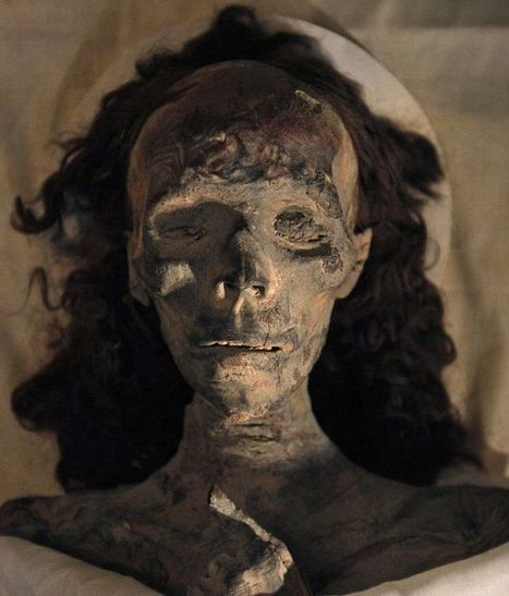 Unmasked: The real faces of the crippled King Tutankhamun (who walked with a cane) and his incestuous parents | AncientHistory@CHHS 2012-13 | Scoop.it