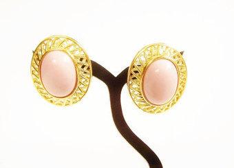 Pink Earrings, Vintage Trifari Earrings, Clip On Earrings, | Vintage Passion | Scoop.it