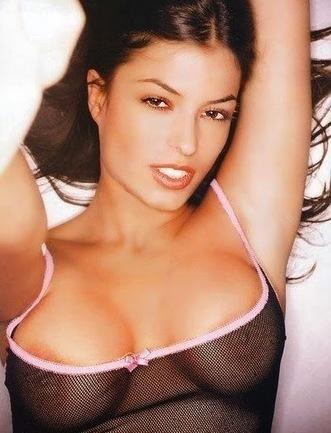 Selena gomez naked breasts