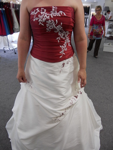 Robe de mariée, bustier rouge pas cher d...