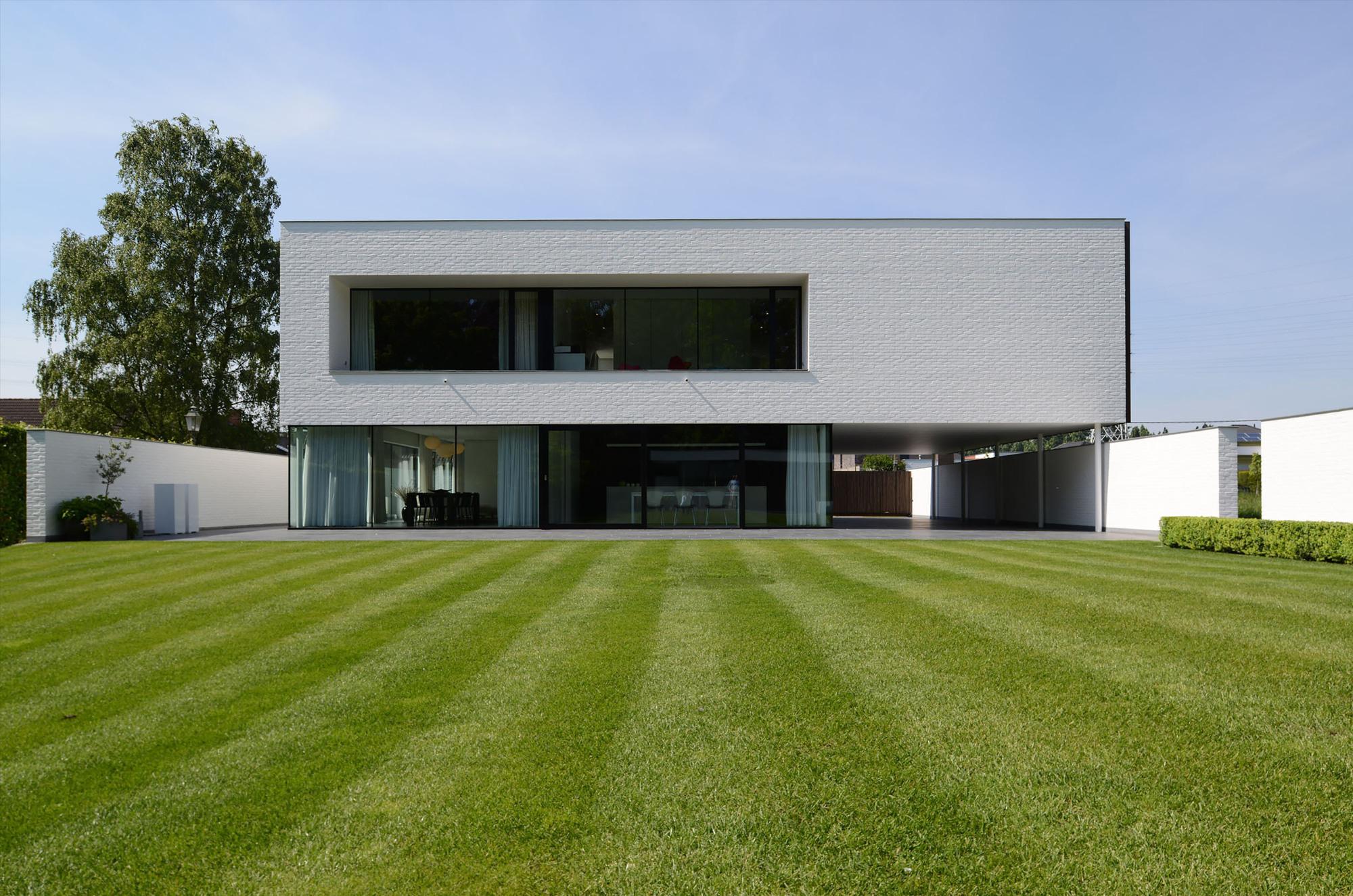 Impressionnante maison contemporaine flamande a for Architecture flamande