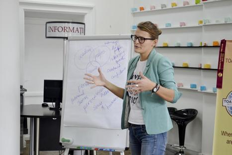 Presenting with Impact:7 Powerful Ways to Present with Eloquence | Speaking in Public | Scoop.it
