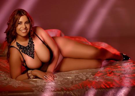 Erotik photos — More:(via Beautiful busty girl: Busty Gizelle...   Fine girls   Scoop.it