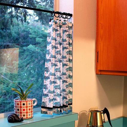 vitamini handmade: Retro kitchen café curtains. | Vintage Kitchens | Scoop.it