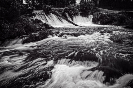 Upper Tumwater Falls in black and white | Leezard | Scoop.it