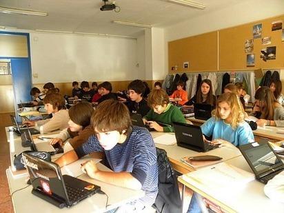 Investigación AULA 2.0: las tecnologías en el aula mejoran el aprendizaje pero requieren un nuevo sistema de evaluación UAB Barcelona | Educación y TIC | Scoop.it