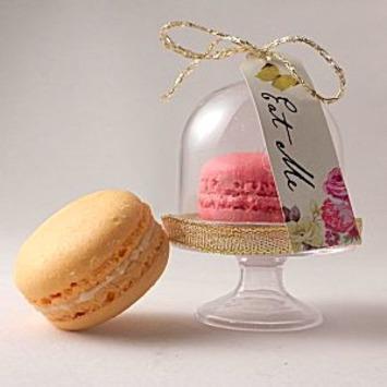 miniature macaroon and mini cupcake dome | Wedding Ideas | Scoop.it