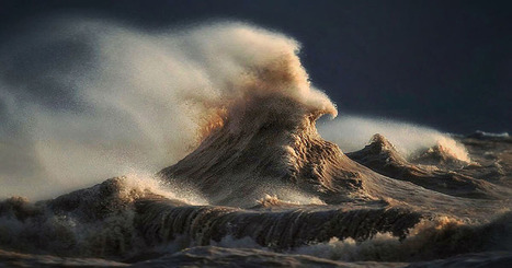 Photographer Captures Powerful Waves on Lake Erie as Liquid Mountains | pixels and pictures | Scoop.it