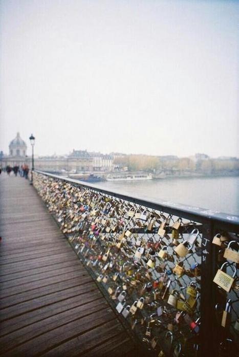 Twitter / DiscoveryFactz: A bridge in Paris that couples ...   GMOs & FOOD, WATER & SOIL MATTERS   Scoop.it