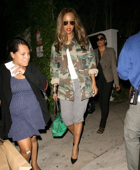 """Tyra Banks Dines Out at Gracias Madre 