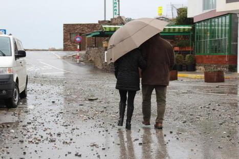 El temporal deixa les platges plenes de brutícia i amb sorra i pedres en els passejos | #territori | Scoop.it