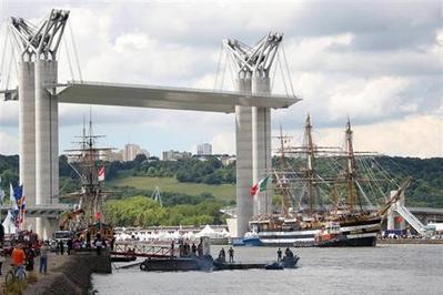 A Rouen, la sixième Armada attire la grande foule - ouest-france.fr | Armada de Rouen 2013 | Scoop.it