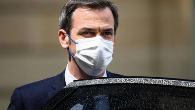Olivier Véran défend l'aide médicale d'Etat aux étrangers en situation irrégulière, dépense