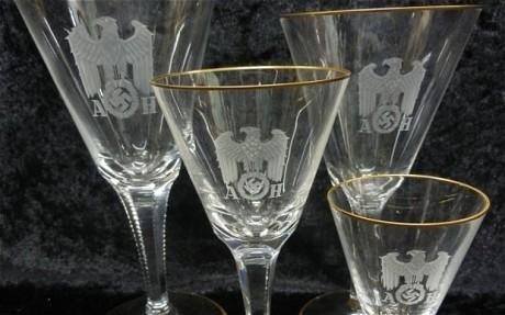 Qui veut s'offrir les verres d'Adolf Hitler ? | Mais n'importe quoi ! | Scoop.it