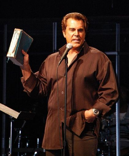 Carman Cancer Update: Emergency Update 'Thinking About Never Seeing You Again' as Infection Keeps Him Unable to Move | Contemporary Christian Music News | Scoop.it