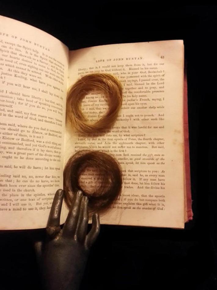 1857 keepsake book with locks of hair and other ephemera - John Bunyan's Holy War | Antiques & Vintage Collectibles | Scoop.it