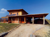 Inšpiratívny ekologický dom z dreva, slamy a hliny | Milujem prírodu | Scoop.it