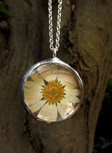 Natural Daisy Glass Necklace, bohemian, tiffany metod by ElaDecors | Fashion & Jewelry | Scoop.it