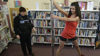 Free pole dancing classes at library 'great success' with readers | Bibliofuture | Scoop.it