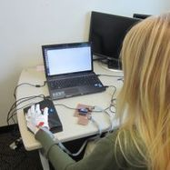 Wearable computing gloves can teach Braille, even if you're not paying attention | :: Science Innovation :: Research News :: | Scoop.it