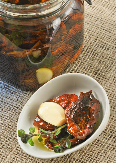 Tomates en aceite - Pienso...luego cocino | À Catanada na Cozinha Magazine | Scoop.it