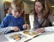 Paper or electronic? Reading to children important no matter the medium | Around L-ICT | Scoop.it
