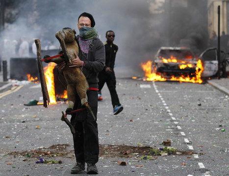 In Pictures: London's burning, day 3 - In Pictures - Al Jazeera | Image Conscious | Scoop.it