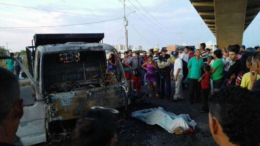 Un muerto y dos heridos tras ataque con molotov