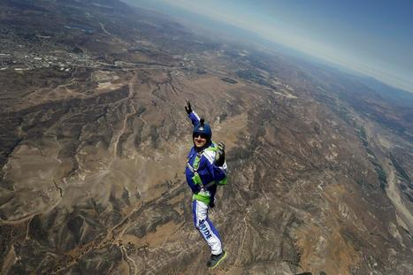 He's a Skydiver Working With a Net, But No Parachute | Xposed | Scoop.it