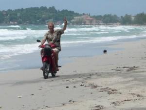 Surfing in Sihanoukville Cambodia - Sihanoukville Cambodia Journal   Wandering Salsero   Scoop.it