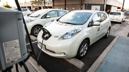 Electric cars to become mini power plants in California's energy grid - Gizmag | An Electric World | Scoop.it