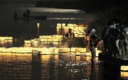 [Eng] Des habitants dans une ville touchée par le tsunami s'unissent pour mettre des lanternes sur l'eau | The Mainichi Daily News | Japon : séisme, tsunami & conséquences | Scoop.it