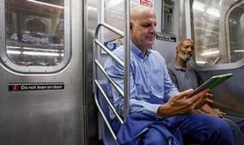 Now arriving on the New York subway: Free ebooks | Pobre Gutenberg | Scoop.it